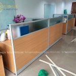 Lắp đặt vách ngăn gỗ kính văn phòng tại quận Hoàng Mai